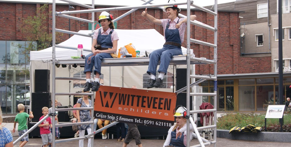 Winkelcentrum entertainment - Straattheater - Fluitende bouwvaksters