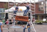 fluitende bouwvaksters - straattheater