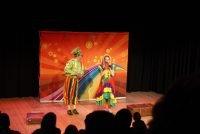 Kindertheatervoorstelling - acteurs en actrices