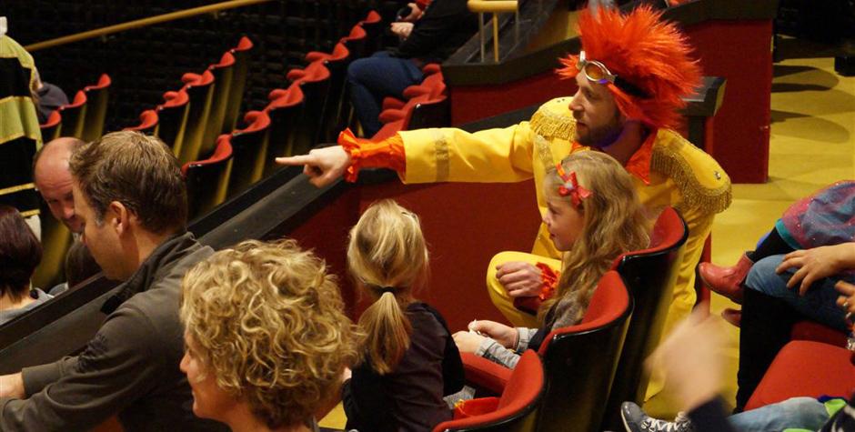 Kindertheater voorstelling in het theater