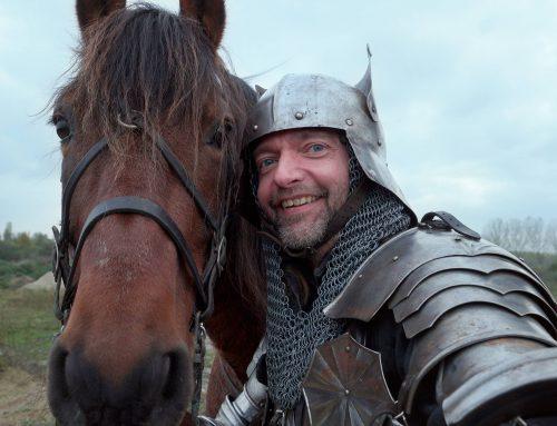 Ridder te paard voor online commercial